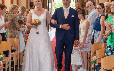 Aan welke zijde loopt de bruid?